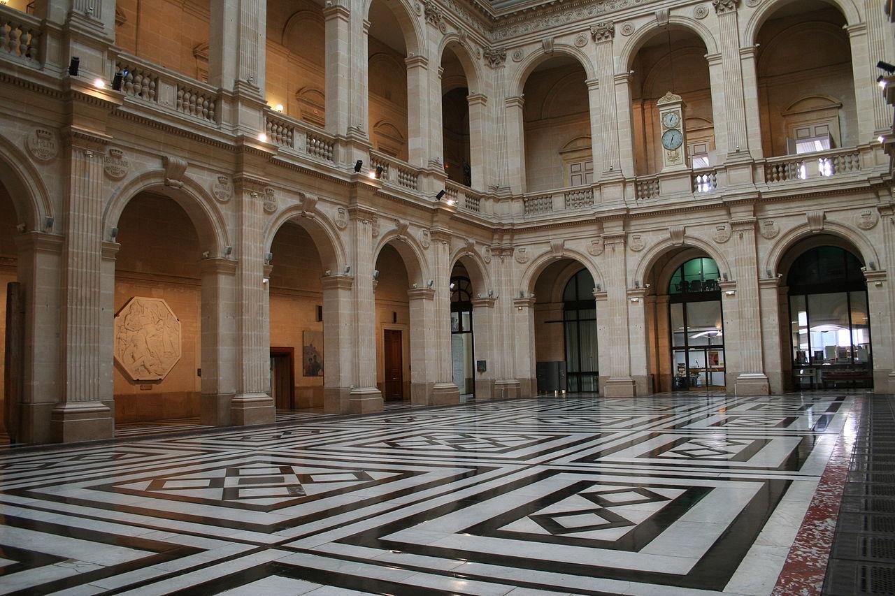 Le palais de la bourse marseille for Chambre de commerce de marseille archives